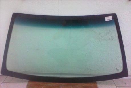 Стекло лобовое (с голубой полосой) Geely CK 1801209180