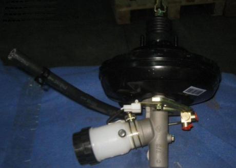 Цилиндр тормозной главный без ABS с вакуумным усилителем Geely CK CK2 3540200180
