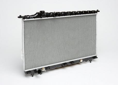 Радиатор охлаждения Sonata/Magentіs 2.0/2.4/2.5/2.7 (98-) АКПП (алюм) (LRc HUSo98250) Luzar