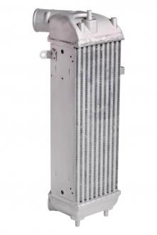 Радиатор интеркулера SORENTO (09-)/SANTA FE (12-) 2.0/2.2CRDі (LRіC 082F0) Luzar LRIC 082F0